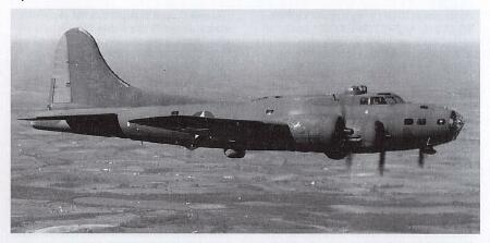 <center> <b><BIG>B-17E  No A/C # known</b><br><br> B-17 41-9156  Uncle Biff