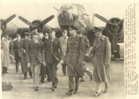 Col Byerly with King George VI B-17 41-24363