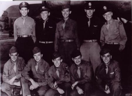 Lt. Bob Derry's crew at Mac Dill Field in October 1944. Leslie is in front row 4th from left. - 301st BG, Army Air Corps Library and Museum